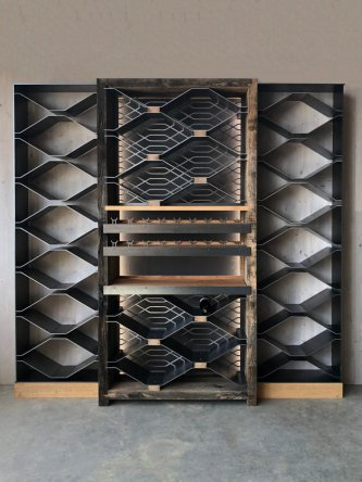 Three-element wine cellar
